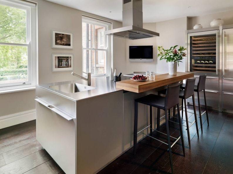 Тренды в дизайне современных кухонь - Остров плюс барная стойка 1