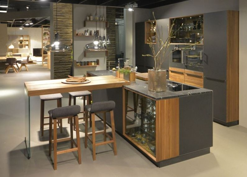 Тренды в дизайне современных кухонь - Остров плюс барная стойка 2