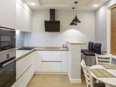 Современная минималистичная кухня в белом цвете